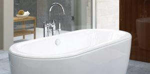 Freestanding tub and freestanding tub filler